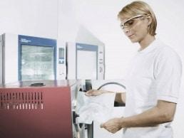 uvex CR Schutzbrille für Arbeiten im Labor