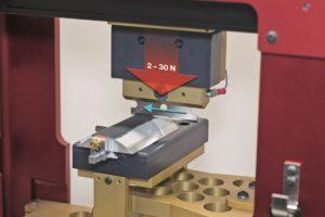 Image 2.2: Test de protection anti-coupure conforme à la norme ISO 13997