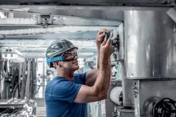 Schutzbrille für die Industrie von uvex